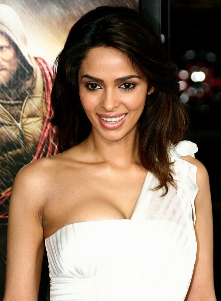http://www.celebdetail.com/wp-content/uploads/2013/11/Mallika-Sherawat-Boyfriend-age-Biography.jpg