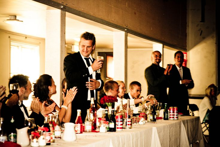 Wedding speeches can be nerve wracking and difficult to compose if you have not had experience at public speaking.