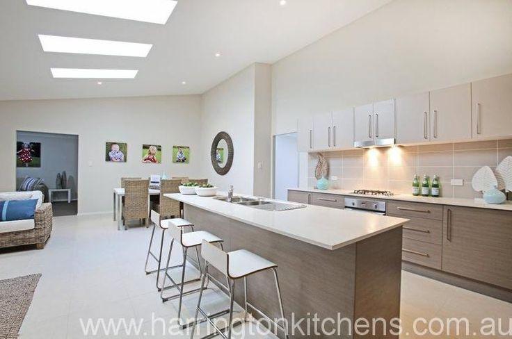 Kitchen - Two-tone laminate colour scheme