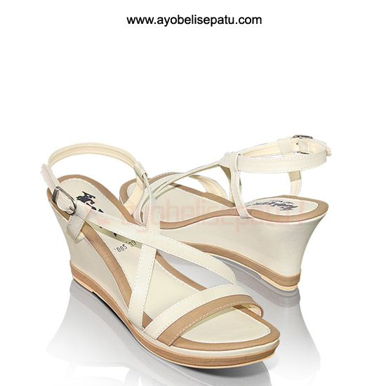 Hayaty Shoe Wedges - IDR131.000 Sepatu wedges wanita material syntetic. #sepatuwanita #sepatuwedges #sepatumurah