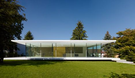 The energy concept guarantees that all of the energy required to run the building is gained from regenerative sources.