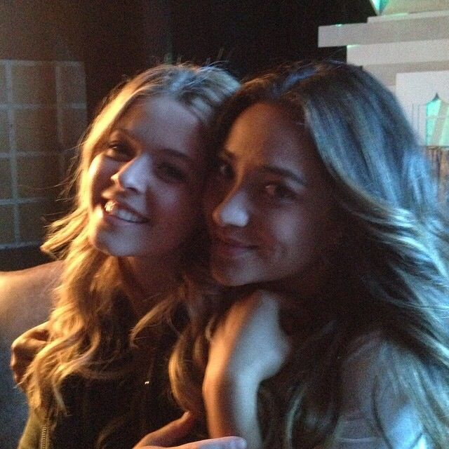 EMISON/ SASHAY during the last day of filming 501!!! I just love the both of them so much... @Sasha Pieterse & @Shay Mitchell have sooooo much chemistry together! ❤️ I really am hoping and praying everyday that EMISON would happen already in S5! First loves are forever, right? ;)