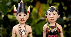Pernikahan Adat Jawa: Meskipun Ribet & Rumit Justru Bikin Hari Terindah Dalam Hidup Anda Selalu Terkenang.   Baca selengkapnya di http://ririsaci.com/keunikan-pernikahan-adat-jawa/