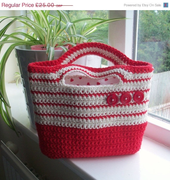 ON SALE OOAK  Crocheted Cotton Handbag  button by moodycowdesigns, £12.50
