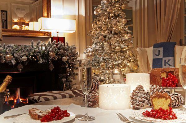 Trascorrere le feste di Natale e Capodanno a Firenze è un'esperienza magica. Ma dove andare per renderle ancora più speciali? Per voi la nostra selezione delle proposte dei migliori