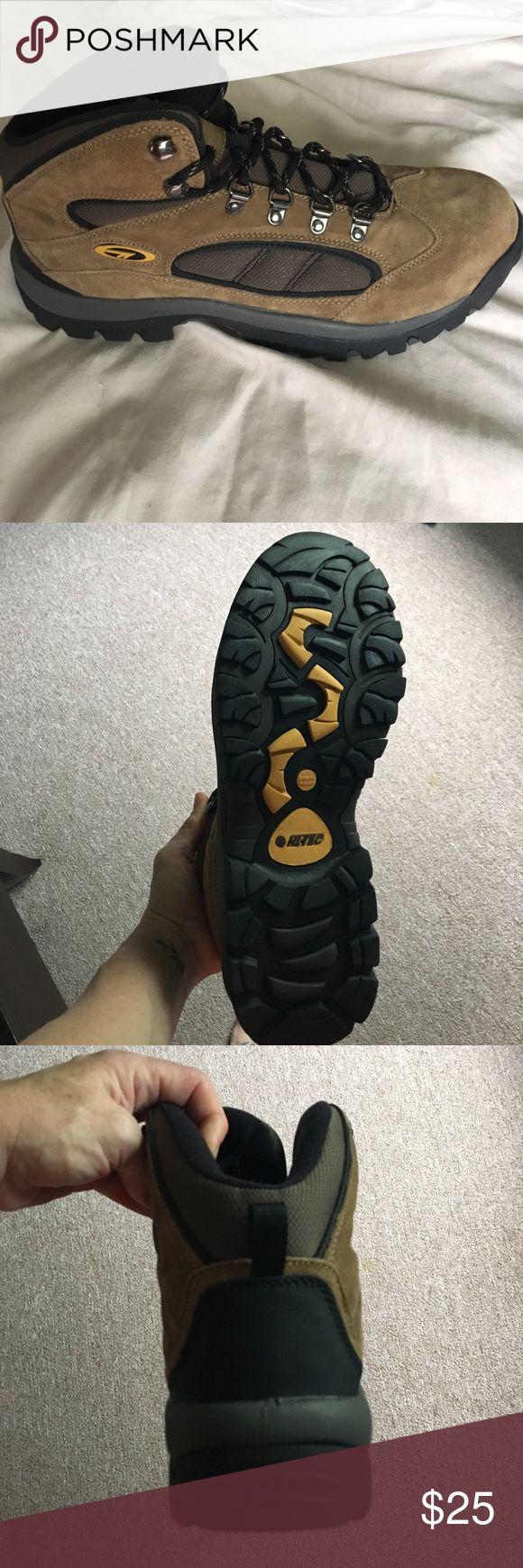 NIB Hiking boots Hi-Tec Outdoor Hiking Boots Shoes Boots