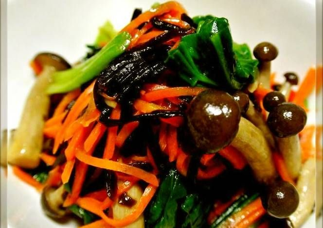 Spinach, Carrot, and Shimeji Mushroom Namul (Korean-Style Salad) with ...