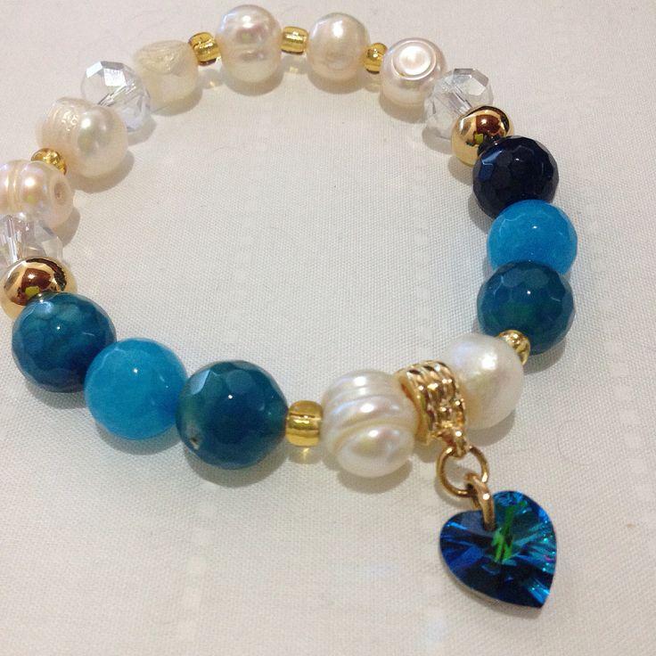 Pulsera agatas y perlas, dije en swarovski by Luz Marina Valero