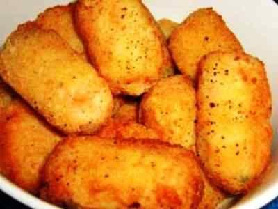 Kroket Mie - Kumpulan cara membuat video resep kroket mie instan kronet gulung sosis daging ayam bumbu keju royco ncc yang paling enak bisa anda baca disini.