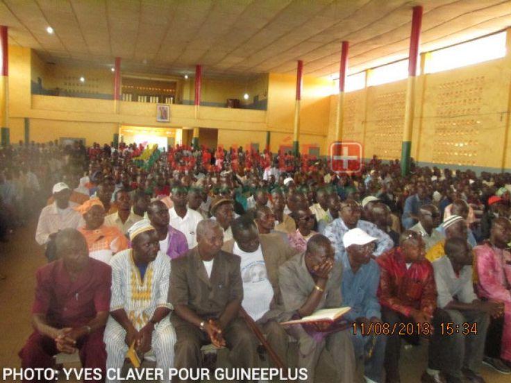 Guinée forestière: Les deux Colonels: COPLAN PIVI et MOUSSA TEGBORO CAMARA à la maison des jeunes de Nzérékoré pour une sensibilisation