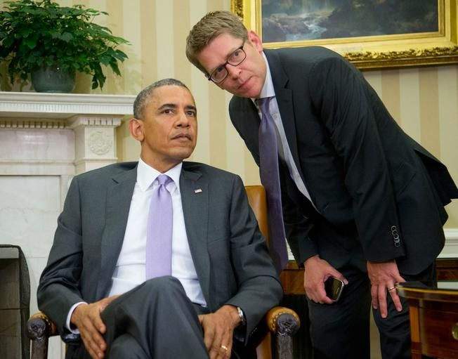 Former Obama Press Secretary Says He Knows Who POTUS Wants To Succeed Him - Jay Carney, the former press secretary for President Obama, told CNN yesterday that he has a good idea who the President wants to win in 2016.