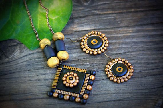 Hey, I found this really awesome Etsy listing at https://www.etsy.com/listing/197790712/black-and-gold-terracotta-chain-with