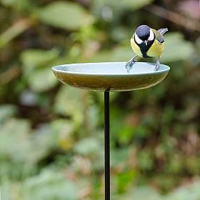 Vierno Dish - bird bath - bird feeder - bird drinker - The Vierno Dish simply pushes into the ground to provide an instant watering hole. Due to the shallow nature of the dish it will also be suitable for smaller birds to bathe in.