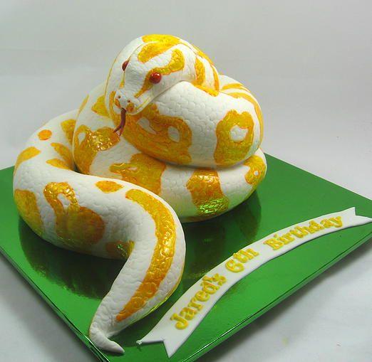 3D Snake boys 6th Birthday Cake by www.carryscakes.coma.u