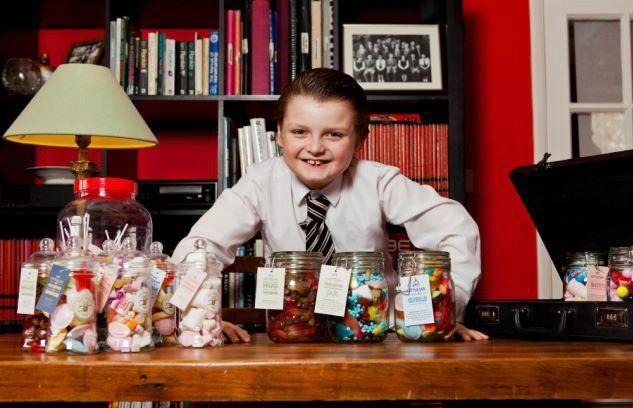 Segundo fontes, ele é o empreendedor mais jovem do planeta, com um dom para o mundo empresarial fora do comum. Henry Patterson tem apenas 9 anos e acaba de criar a sua terceira empresa, dedicada à venda de doces para crianças. Numa semana, atingiu a meta para o mês inteiro e os lucros não param de chegar. Henry começou a aventura nos negócios aos 7 anos, vendendo adubo no eBay. Daí passou para a comercialização de produtos em segunda mão, que comprava numa loja perto de casa, em Bedford…