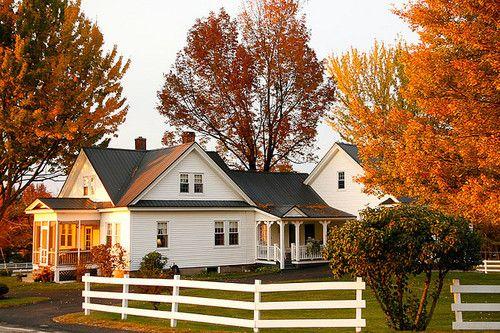 farmhouse in the fall