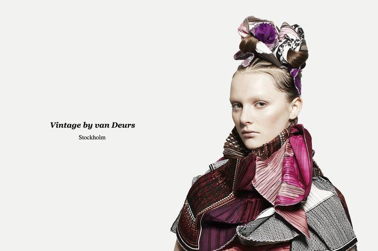 van Deurs - Pleated vintage scarves
