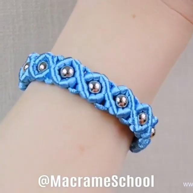 Diy Bracelets Patterns, Diy Friendship Bracelets Patterns, Diy Bracelets Easy, Handmade Bracelets, Diy Crafts Jewelry, Bracelet Crafts, Can Tab Bracelet, Baby Bracelet, Macrame Jewelry Tutorial