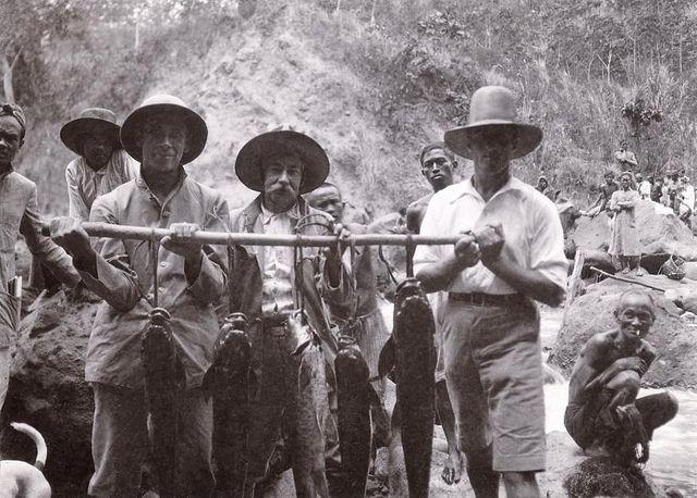 Indonesia - Catch from the river Tjibadak (1915)