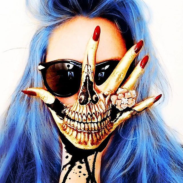 #outlaw from @vapeorenda ・・・ ✨Golden Hand Skull @the_wigs_and_makeup_manager… …