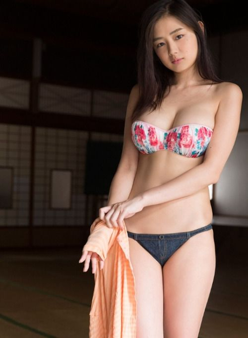 BeautifulWoman — Moemi Katayama 片山萌美