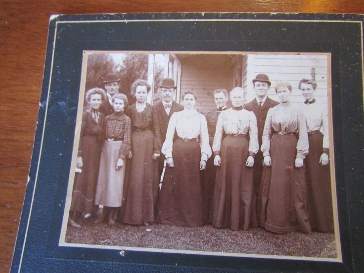 Antique Cabinet Photograph Sepia Color - Group Family outside of Home. From vandedanel on eBay.