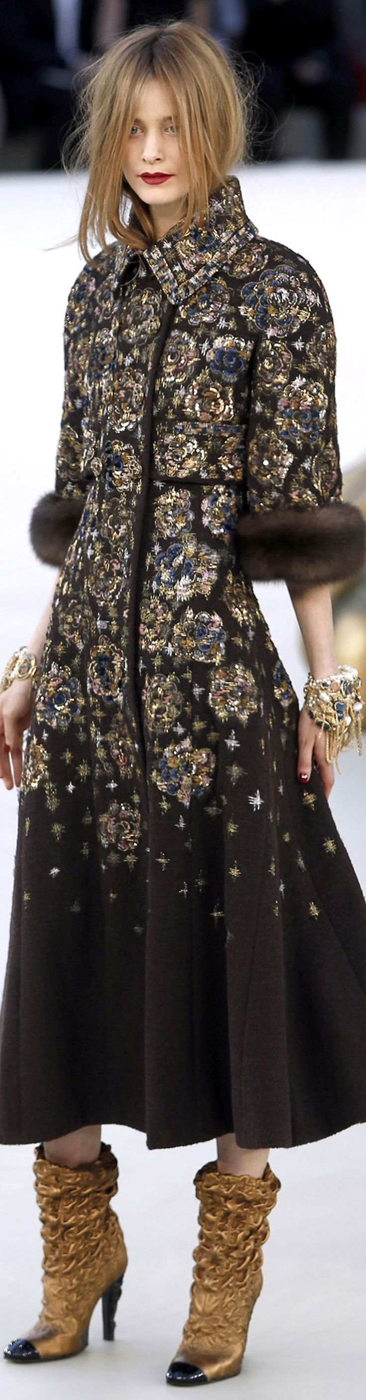 www.2locos.com Chanel fall 2010 couture