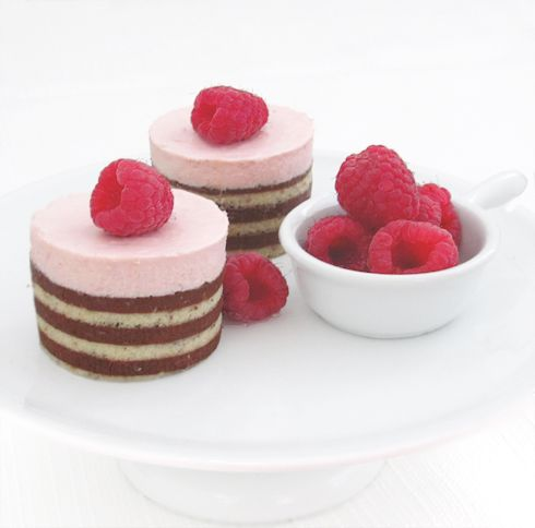 Raspberry chocolate mousse cakes....i love these but i cant ever get mine so neat looking
