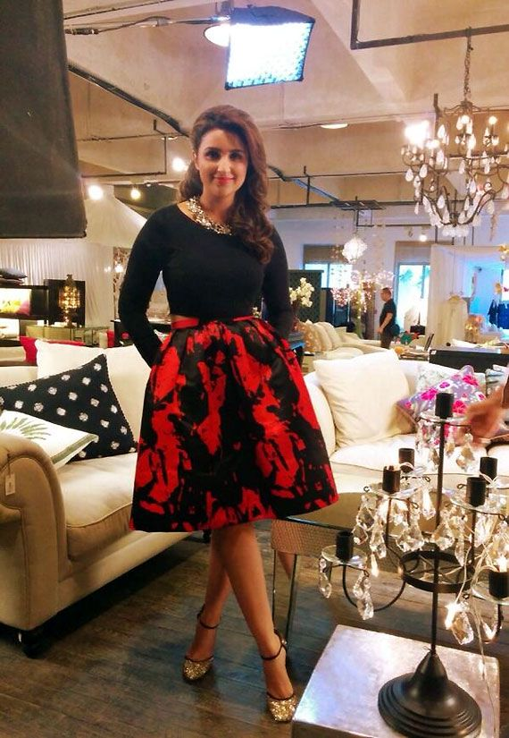 Parineeti Chopra flaunts her love for skirts at Anupam Kher's show (see pics)