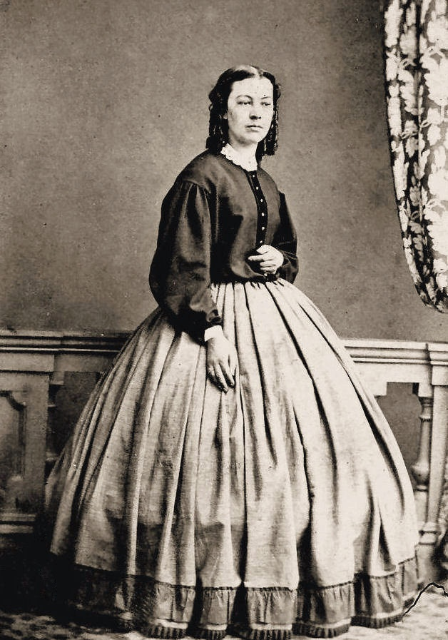 http://i.ebayimg.com/t/4-Prints-Civil-War-Photos-Ladies-in-Skirts-and-Blouses-/00/s/ODk3WDYyOA==/$T2eC16hHJGQE9noMcS5eBQ3hgIOZOg~~60_57.JPG