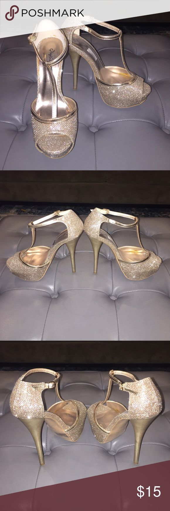 Sparkly rose gold platform heels size 7 Gorgeous sparkly rose gold platform heels, would be a great heel to wear for New Years Eve! Worn once, like new Qupid Shoes Heels