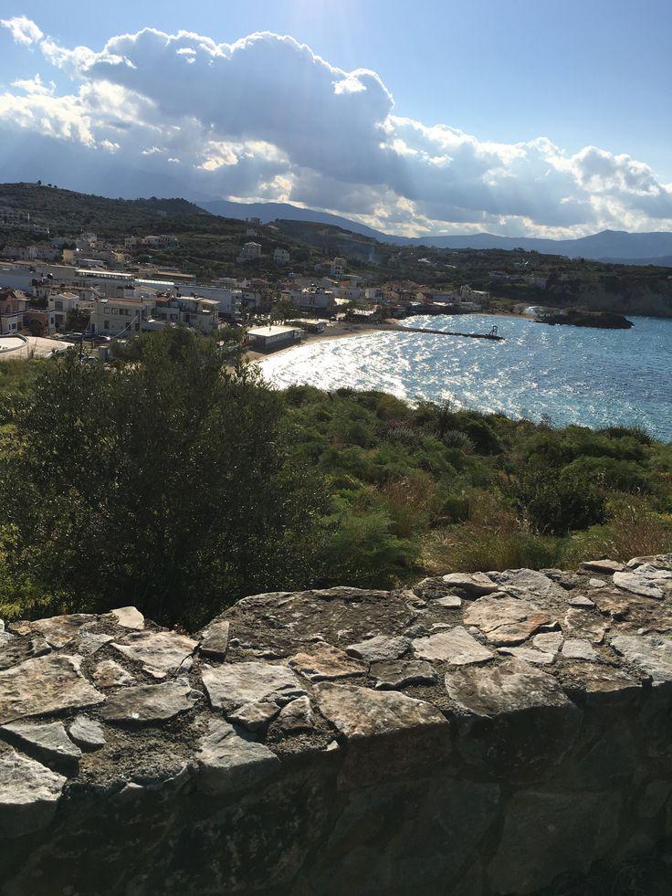 Accès à la plage d'Almyrida, des appartements ALMYRIDA SANDS. (almyrida.sands@gmail.com)