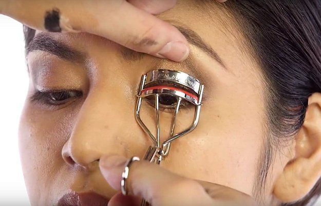 Trendy Makeup Tips :    Picture    Description  Best Eyelash Curlers of 2016 | Chrissy Teigen Oscrs 2016 Makeup Tutorial, check it out at makeuptutorials.c…