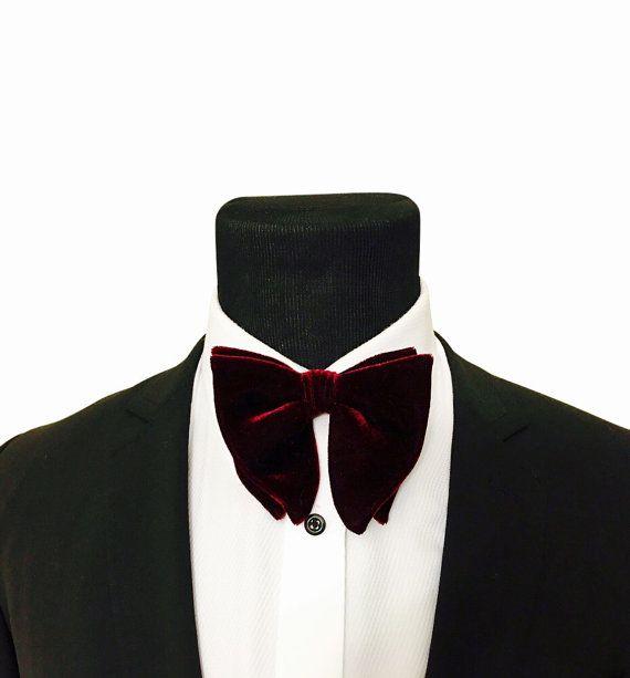 Bow tie. Vintage Butterfly Bow tie. Wedding Bowtie. Maroon velvet bow tie. Groom bowtie. Burgundy bowtie