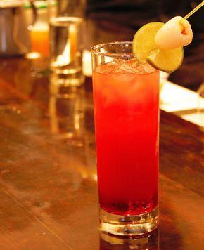 O SOHO LE MIO :  Soho (liqueur de litchi) + jus de canneberge et de pamplemousse.