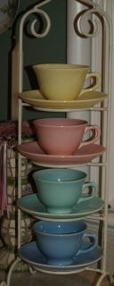 Lu-ray pastels- I have over 1500 Pieces & I Love It!!!: Display Idea, Display Dishes, Pastels Dinnerware, Bella Rosa, Lu Ray Pastels, Luray Pastels