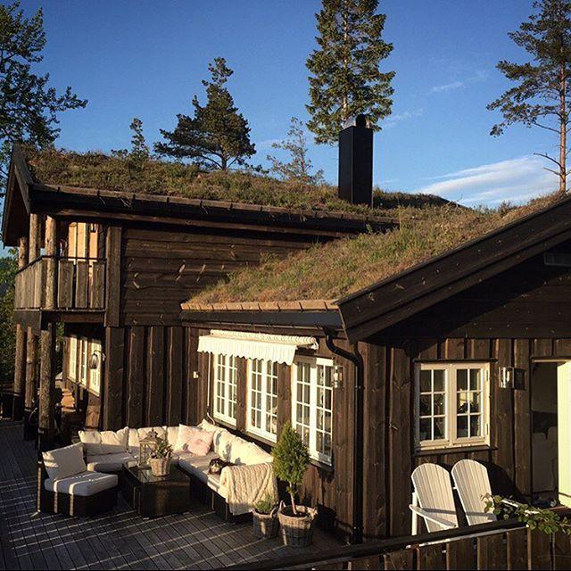 My favorite place! #cabin #familiehytta #låvebutikken #møreogromsdal #oppstuggu #hytteliv #123hytteinspirasjon #hyttemagasinet ❤️