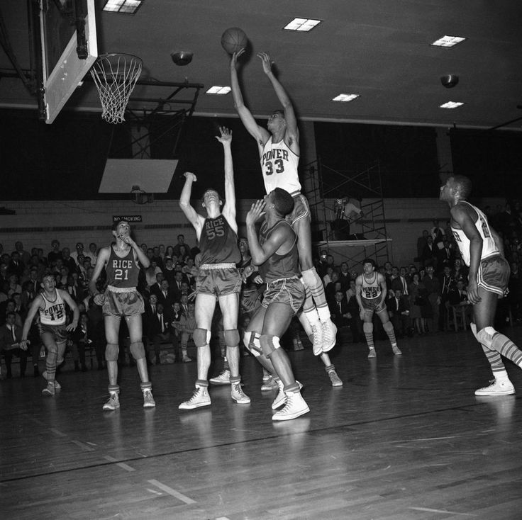 Was Clyde Lovellette the greatest player in Indiana basketball history?