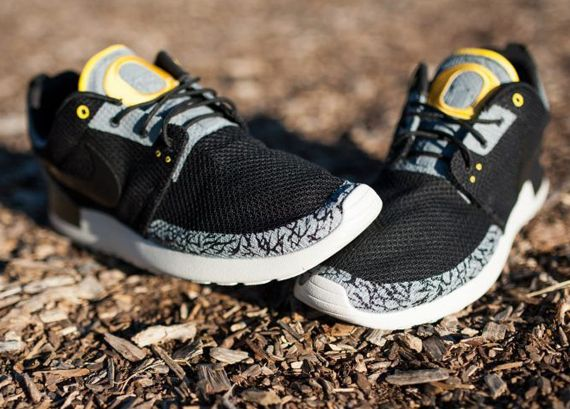 "Nike Roshe Run ""Oregon Ducks Pit Crew"" by JP Custom Kicks 