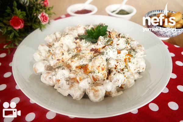 Çıtır Yufkalı Tavuklu Nohut Salatası (Videolu)