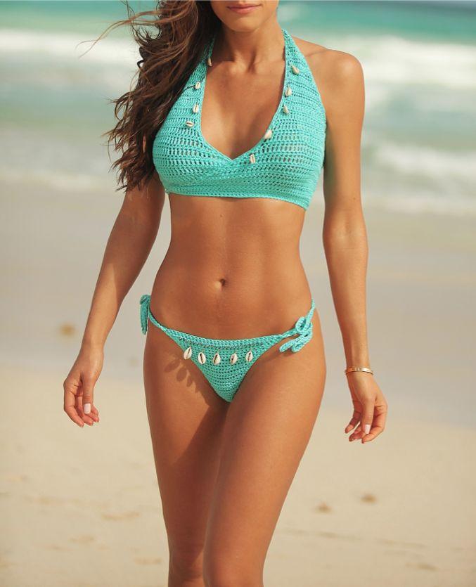 Summer outfits, ropa para el verano.  #Summer, #Verano, #fashion, #ombre, #fringe, bikini, #cut-offs, #turquoise, #turquesa.