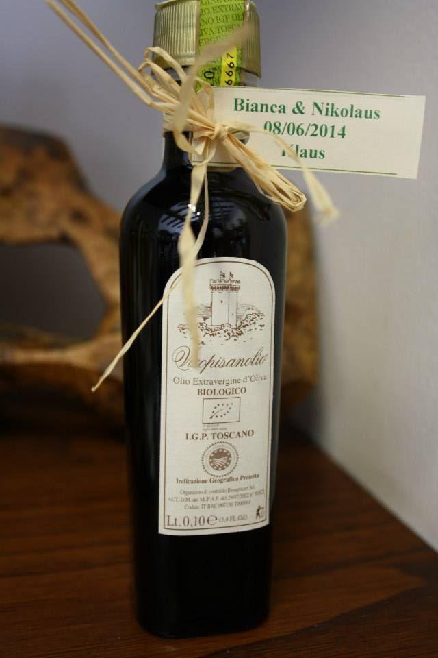 Wedding favor! Tiny bottle of Organic Tuscan Extra Virgin Olive Oil. #wedding #italianwedding #weddingideas #weddingfavoridea