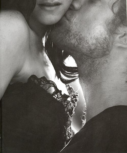 love bearded kiss