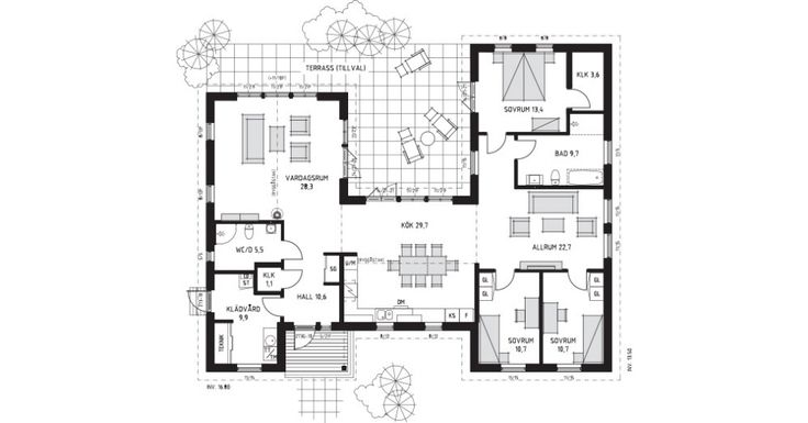 A: 015- Living area:	1732 ft2 Inv. Total area:	161 sq.m. Building Area	190 sq.m.