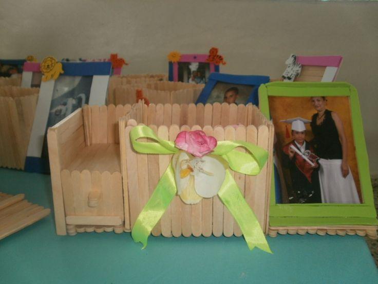 Manualidades con palitos de paleta cuna barbie - Manualidades con palitos ...