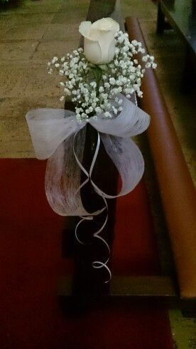 Znalezione obrazy dla zapytania arreglos florales para pasillo de iglesia