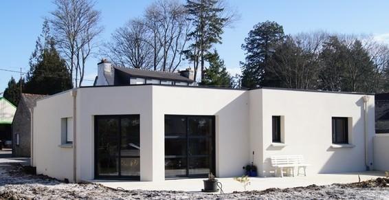 maison en brique de plein-pied à pontivy enduit blanc