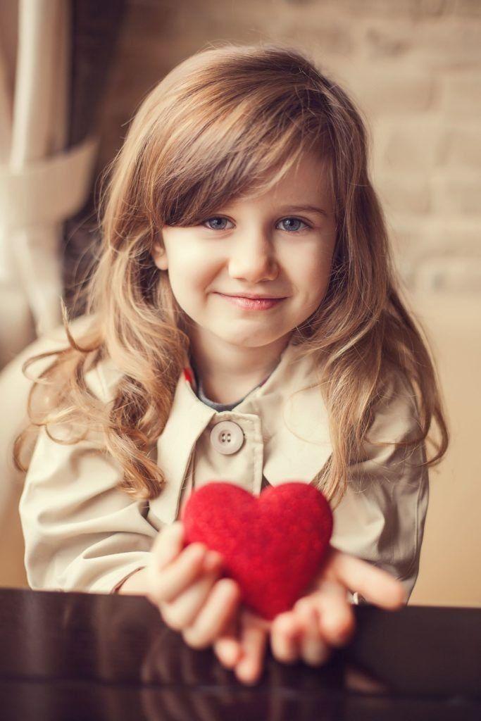 البراءة Cute Kids نقدم لكم في هذا التطبيق عددا كبيرا من صور برائة الاطفال وخلفيات بيبي لطيف بجود عالية خل Cute Babies Photography Cute Kids Beautiful Children