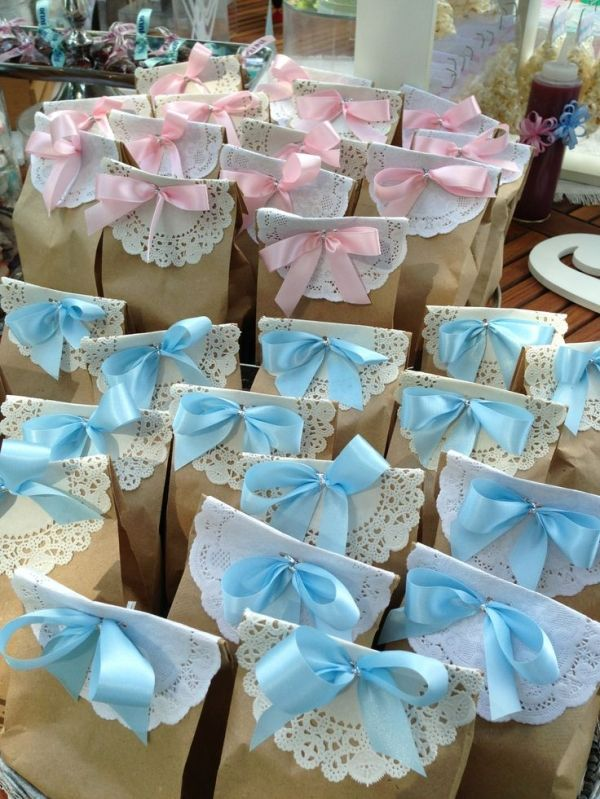 Baby Shower Favors Put different colored bows on the bags to differentiate the boys from the girls by lea