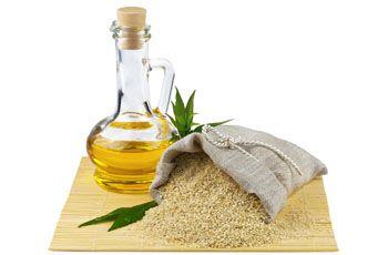 Кунжутное масло, полезные свойства и применение, 11 рецептов для волос, лица и лечения
